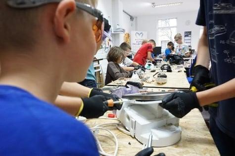 Ein Einblick in die tägliche Arbeit bei Freelab Września.