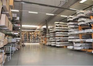 Das neu installierte Hegla-Profillager erlaubt einen größeren Materialbestand und unterstützt so kurze Lieferzeiten.
